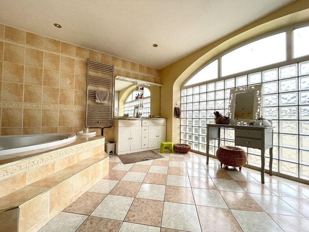 Maison à vendre 7 178m2 à Chavigny-Bailleul vignette-9