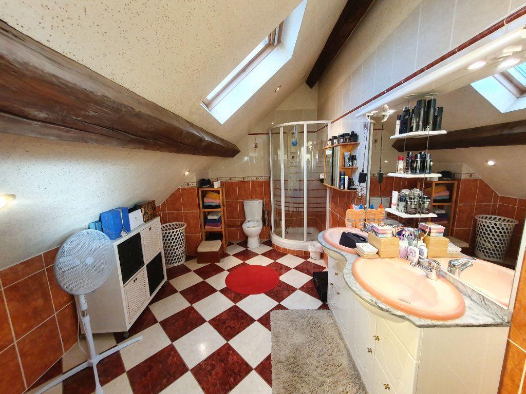 Maison à vendre 7 178m2 à Chavigny-Bailleul vignette-11