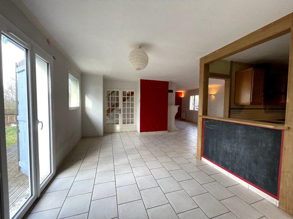 Maison à vendre 7 170.15m2 à Sylvains-les-Moulins vignette-6