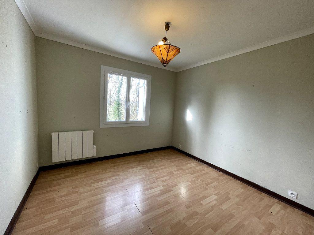 Maison à vendre 7 170.15m2 à Sylvains-les-Moulins vignette-7