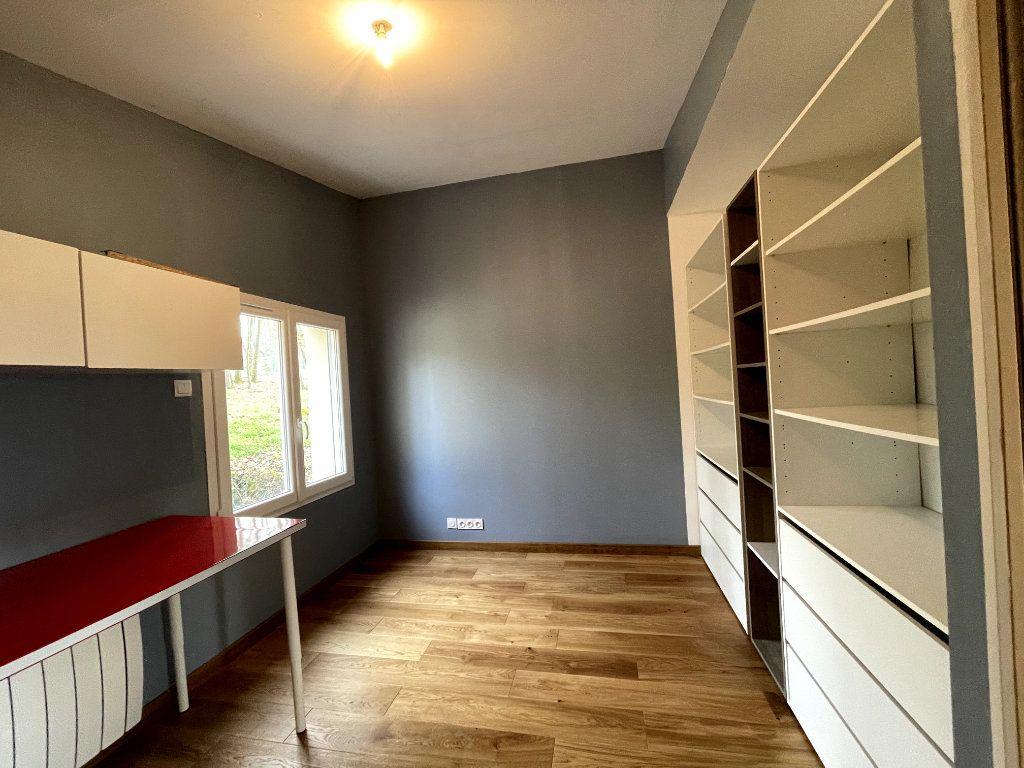 Maison à vendre 7 170.15m2 à Sylvains-les-Moulins vignette-10