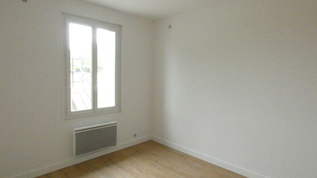 Maison à louer 3 68.5m2 à Saint-Genis-Laval vignette-7