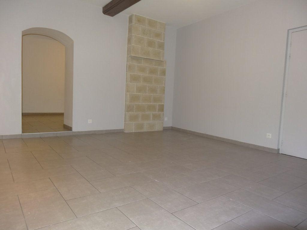 Appartement à louer 3 65.43m2 à Saint-Genis-Laval vignette-2