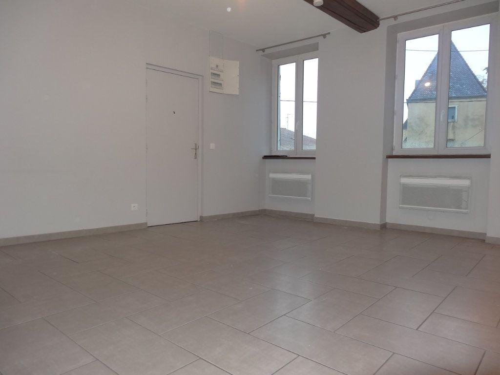 Appartement à louer 3 65.43m2 à Saint-Genis-Laval vignette-3