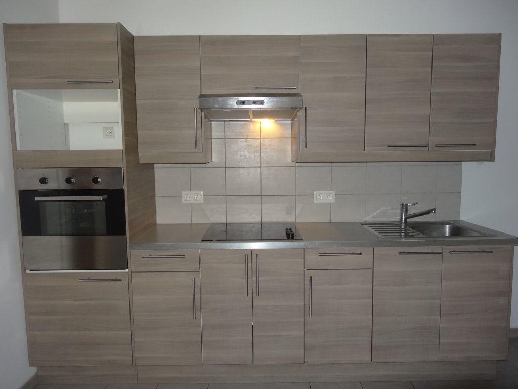 Appartement à louer 3 65.43m2 à Saint-Genis-Laval vignette-6