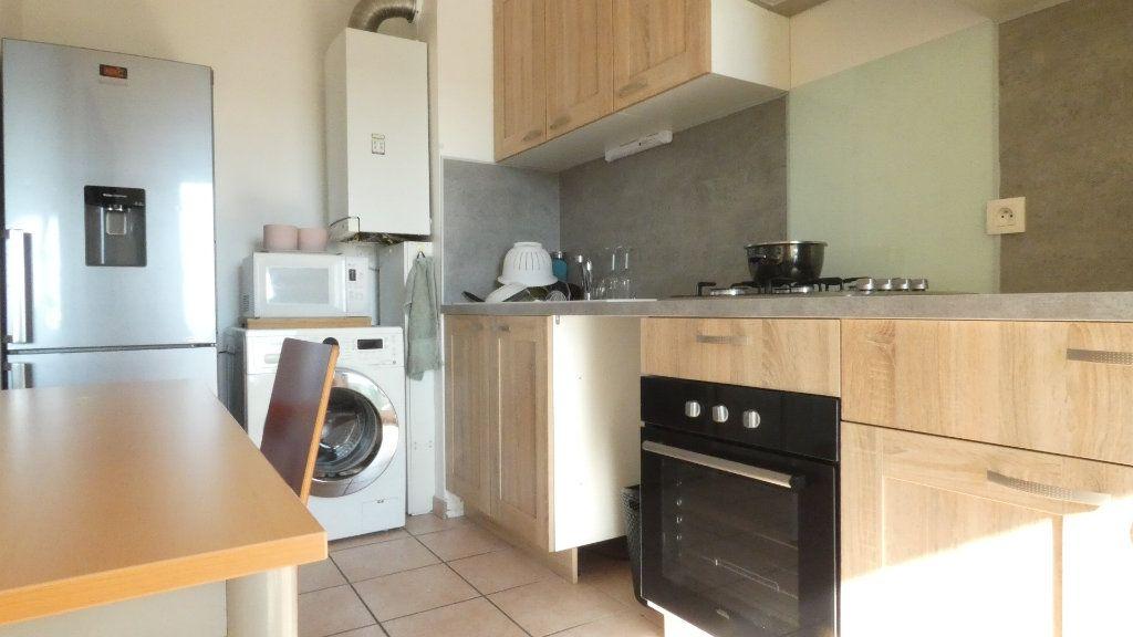 Appartement à louer 2 43.49m2 à Saint-Genis-Laval vignette-5