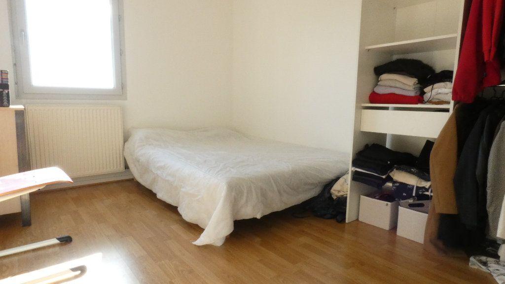 Appartement à louer 2 43.49m2 à Saint-Genis-Laval vignette-6