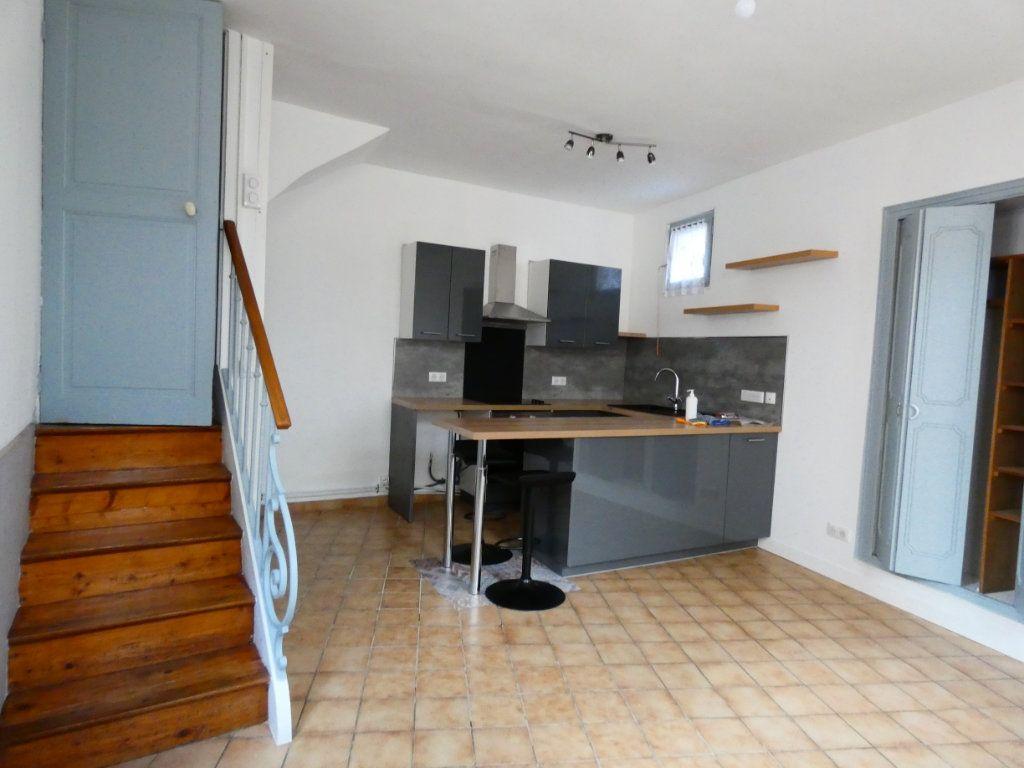 Maison à louer 2 44.34m2 à Saint-Genis-Laval vignette-1