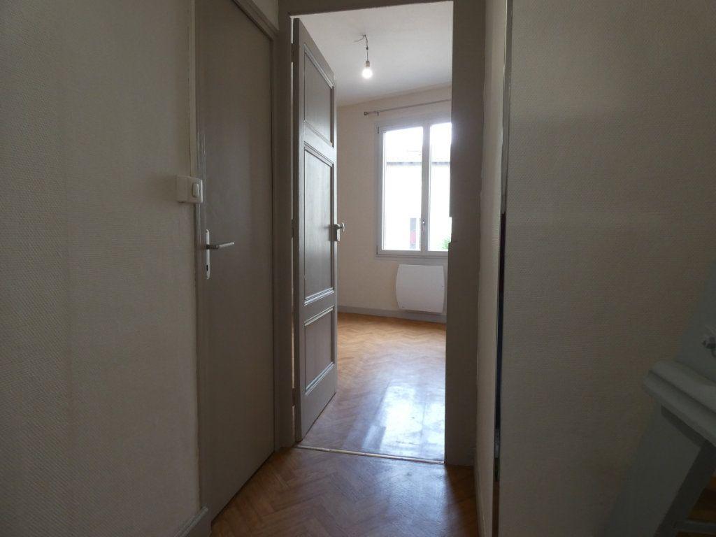 Maison à louer 2 44.34m2 à Saint-Genis-Laval vignette-4