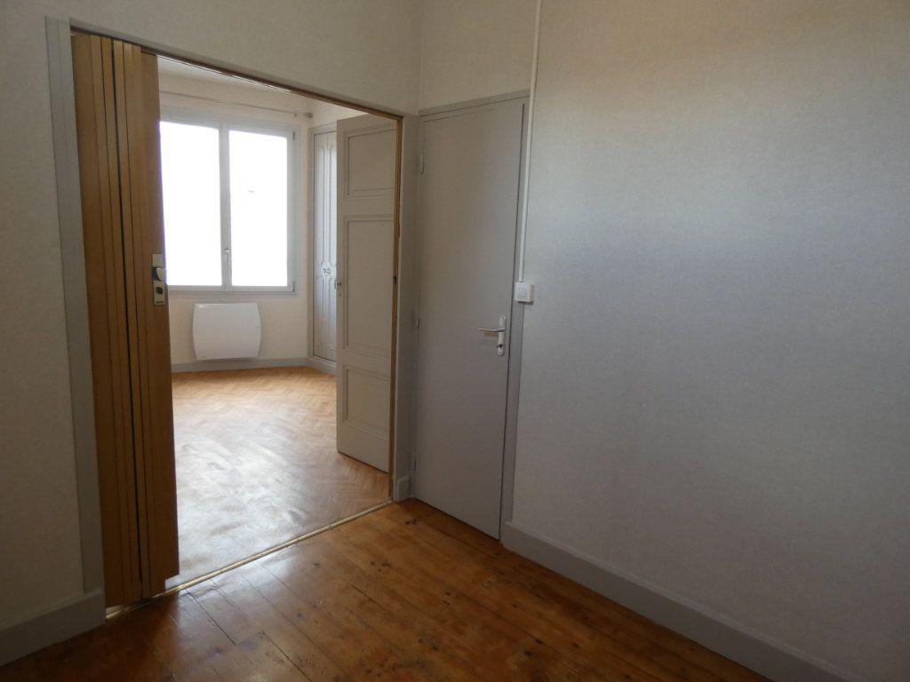 Maison à louer 2 44.34m2 à Saint-Genis-Laval vignette-5