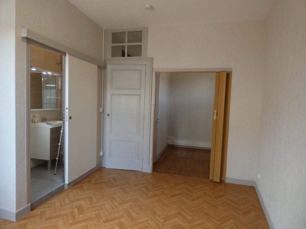 Maison à louer 2 44.34m2 à Saint-Genis-Laval vignette-6