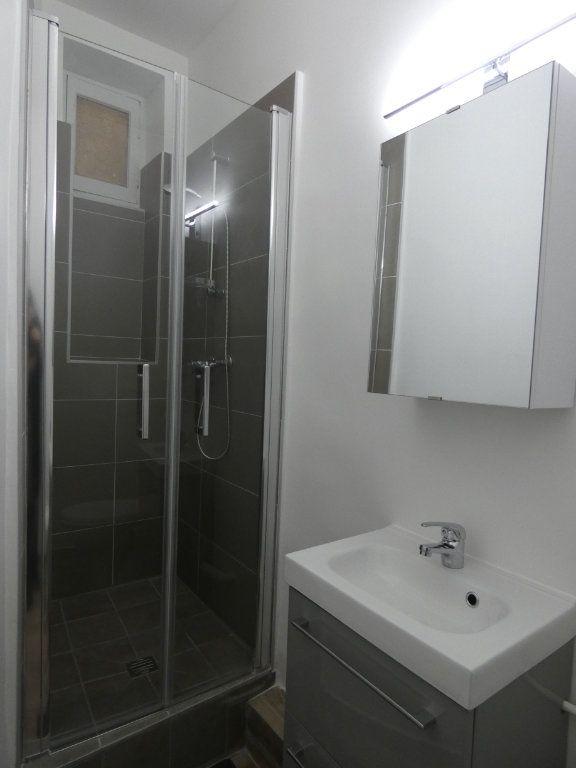Appartement à louer 1 28.01m2 à Lyon 2 vignette-6