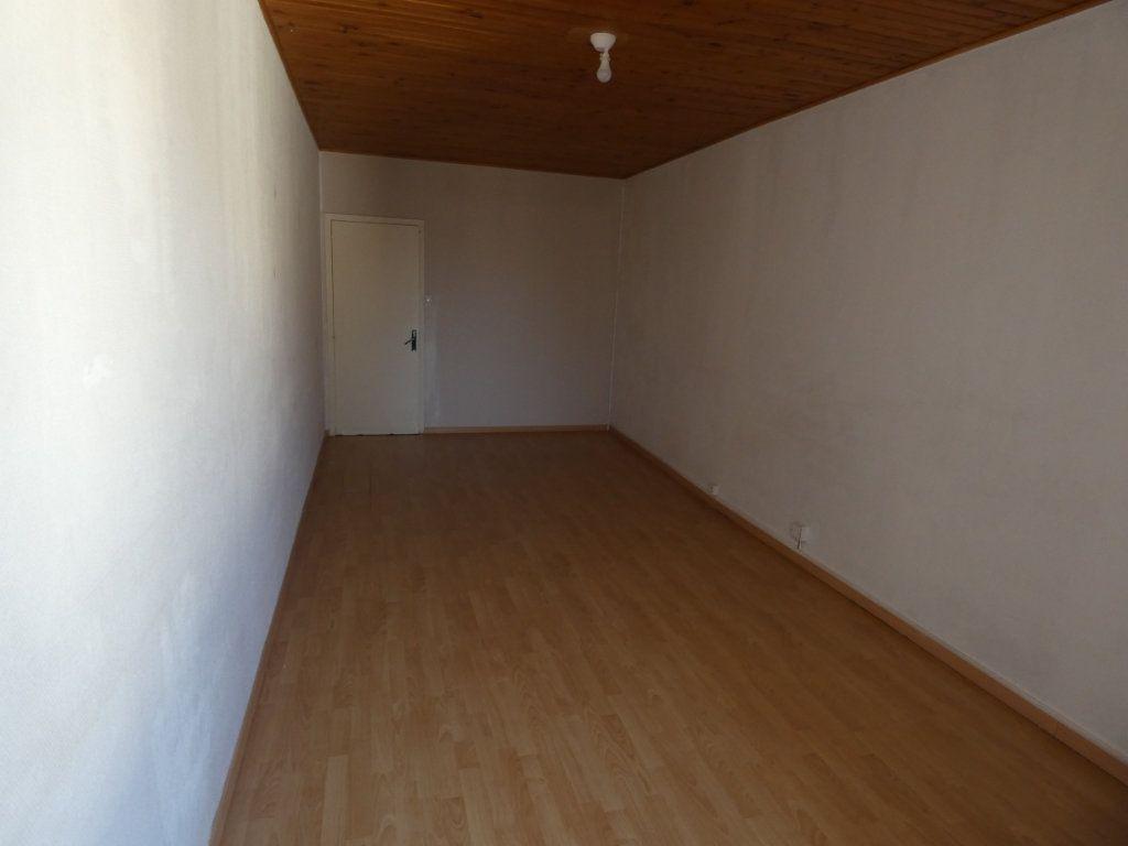 Maison à louer 5 155.39m2 à Millery vignette-8