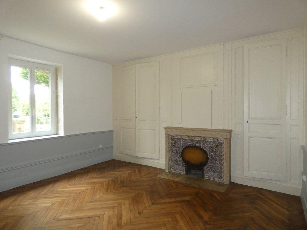 Maison à louer 6 148m2 à Saint-Genis-Laval vignette-7