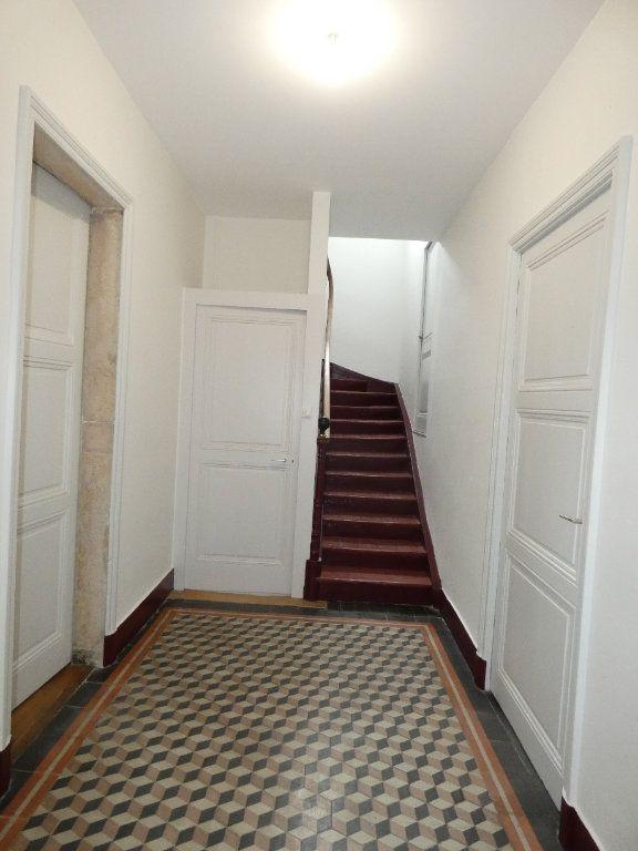 Maison à louer 6 148m2 à Saint-Genis-Laval vignette-8