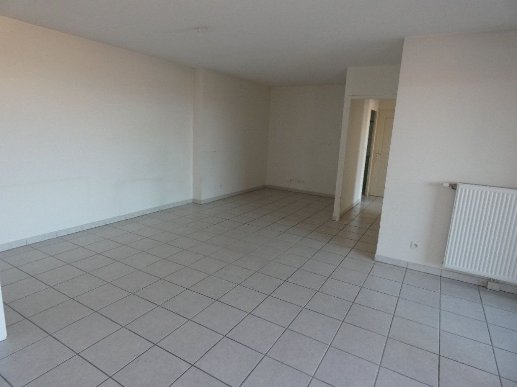 Appartement à louer 3 72.67m2 à Irigny vignette-4