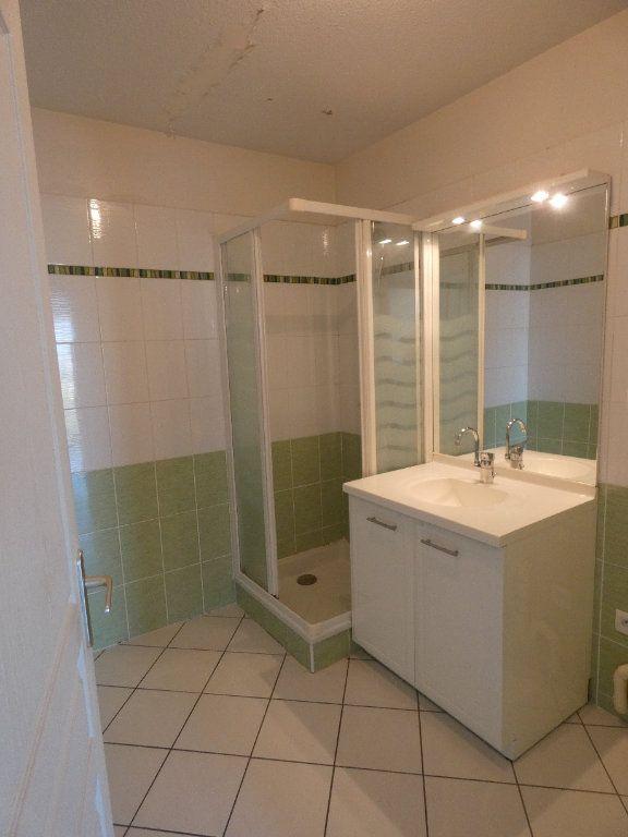 Appartement à louer 3 72.67m2 à Irigny vignette-6