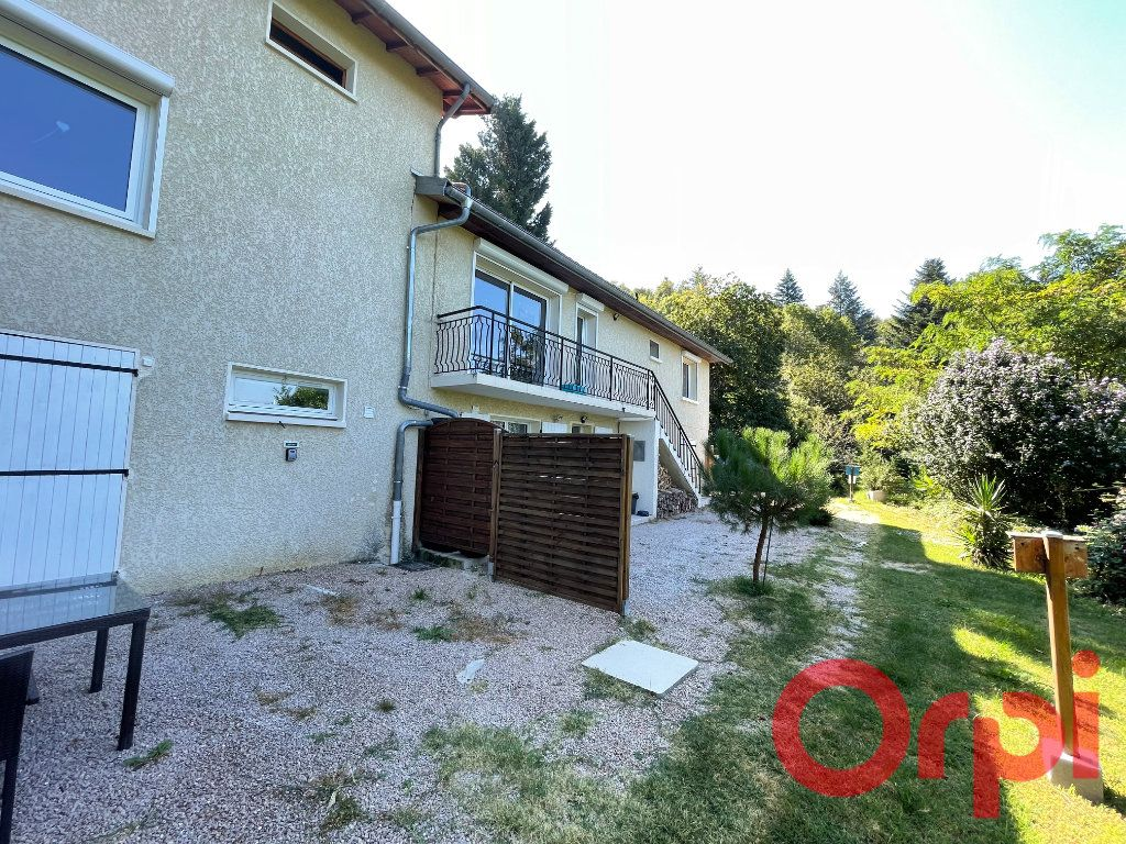 Maison à vendre 8 242m2 à Saint-Pierre-la-Palud vignette-2
