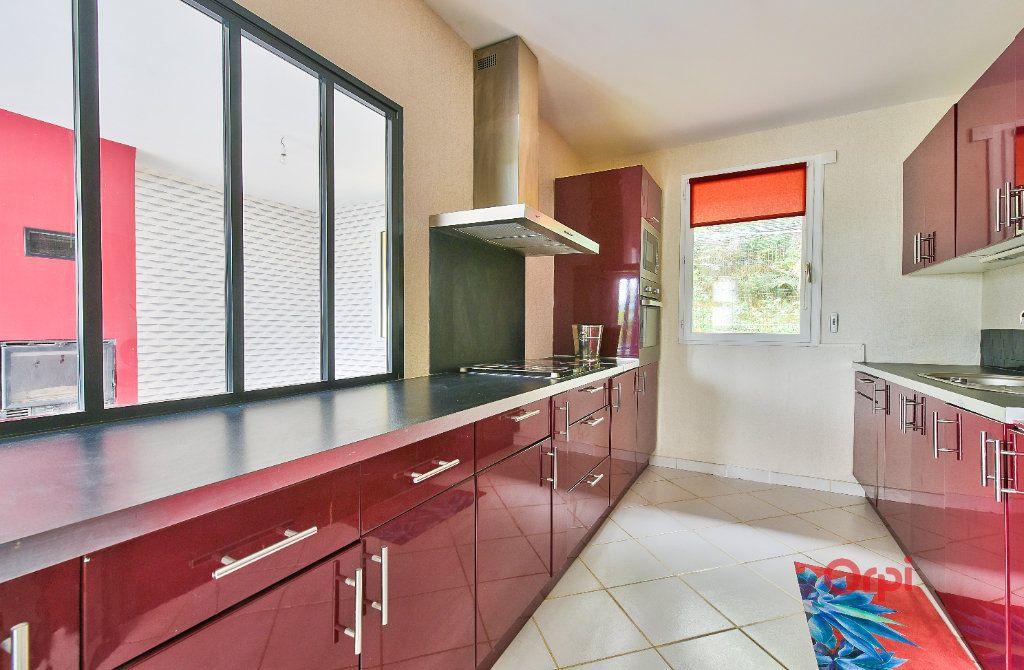 Maison à vendre 8 242m2 à Saint-Pierre-la-Palud vignette-7