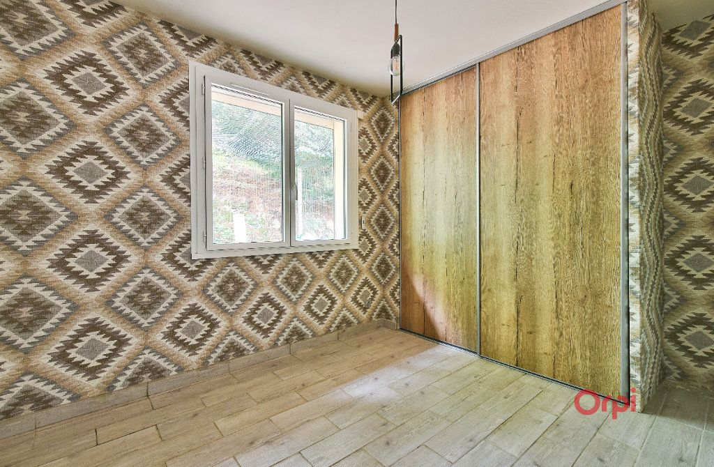 Maison à vendre 8 242m2 à Saint-Pierre-la-Palud vignette-8