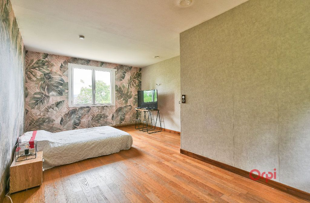 Maison à vendre 8 242m2 à Saint-Pierre-la-Palud vignette-10