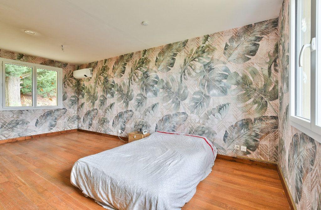 Maison à vendre 8 242m2 à Saint-Pierre-la-Palud vignette-11