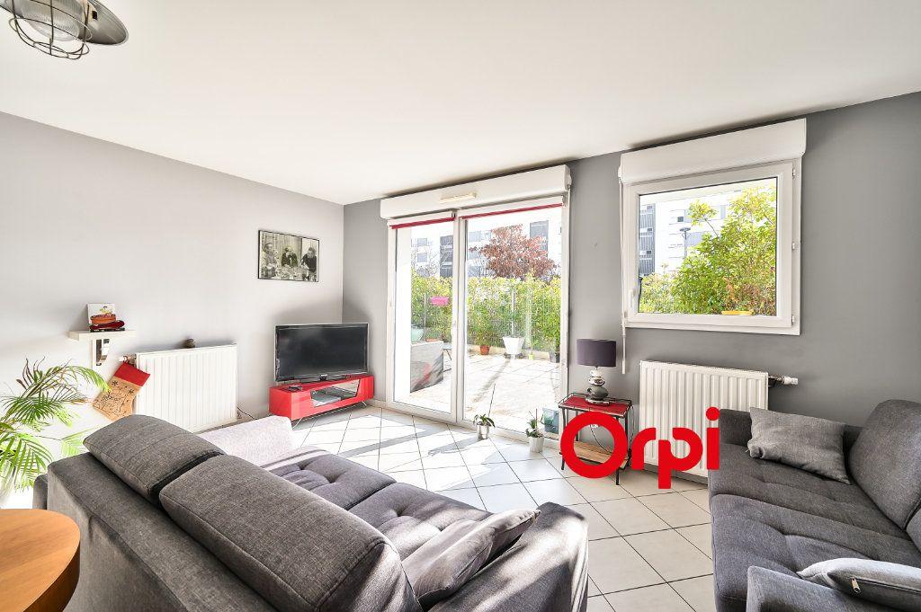 Appartement à vendre 5 91.86m2 à Lyon 9 vignette-2