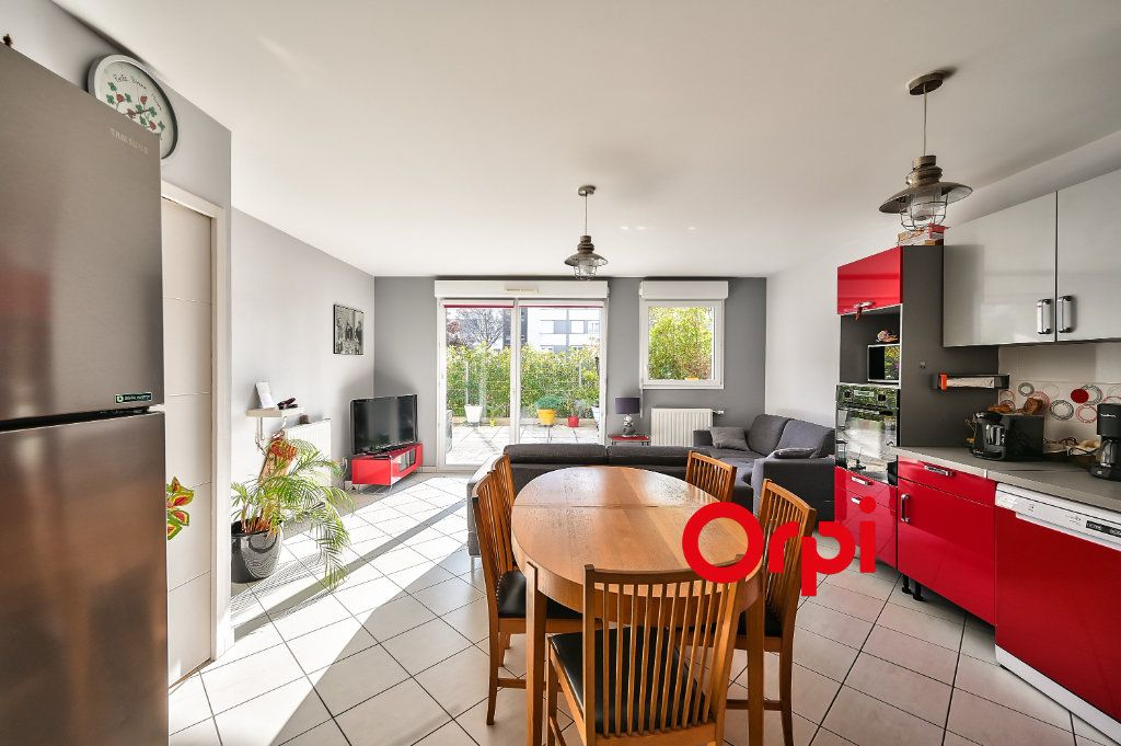 Appartement à vendre 5 91.86m2 à Lyon 9 vignette-4