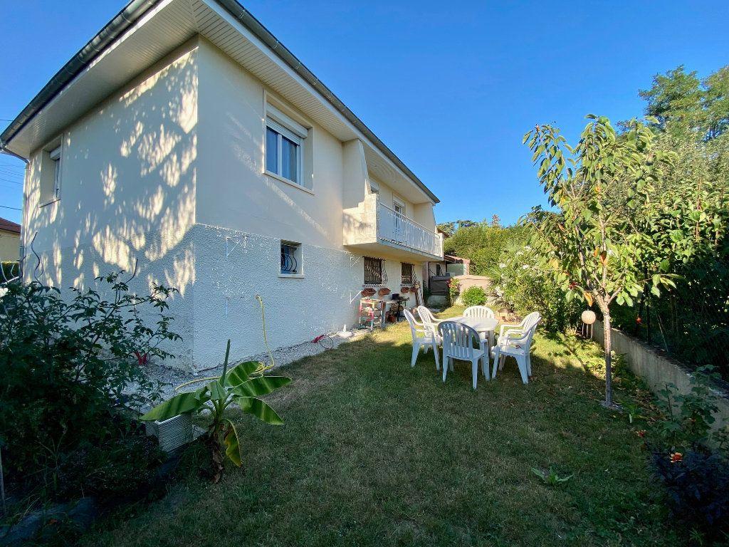 Maison à vendre 5 123.01m2 à Rillieux-la-Pape vignette-1