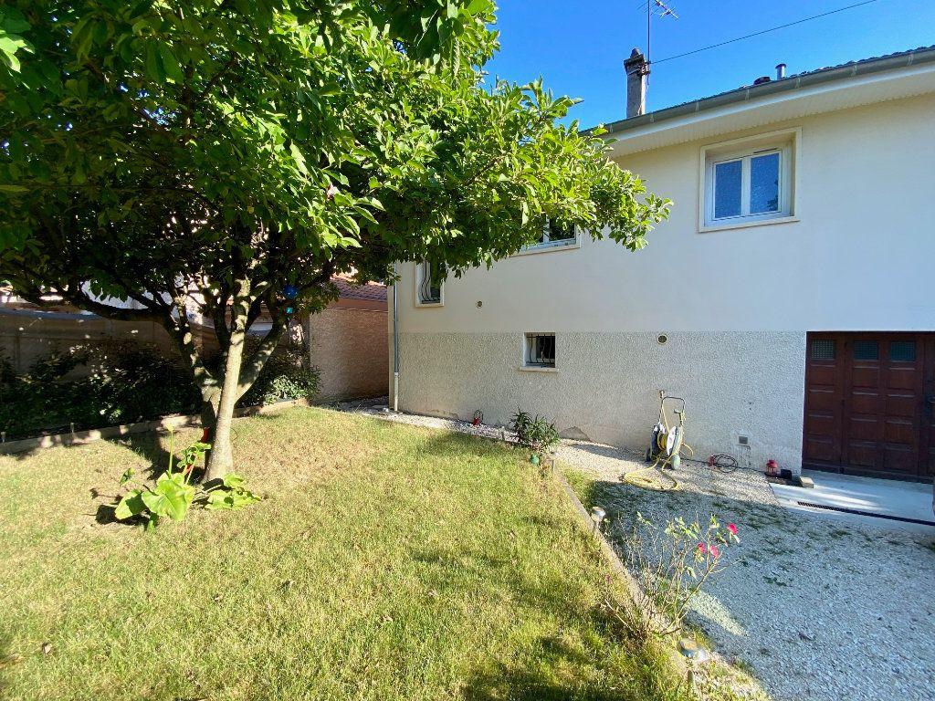 Maison à vendre 5 123.01m2 à Rillieux-la-Pape vignette-2