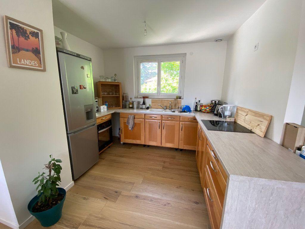 Maison à vendre 5 123.01m2 à Rillieux-la-Pape vignette-5