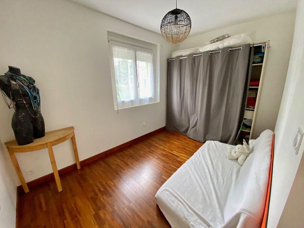 Maison à vendre 5 123.01m2 à Rillieux-la-Pape vignette-8