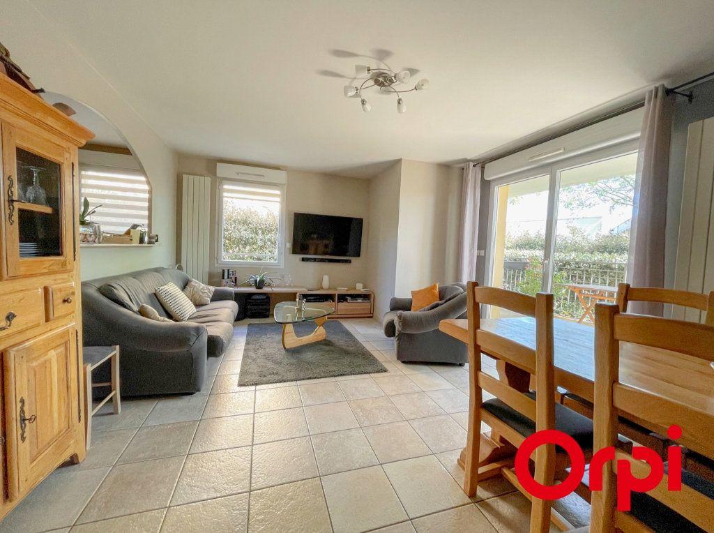 Appartement à vendre 3 76.46m2 à Rillieux-la-Pape vignette-1