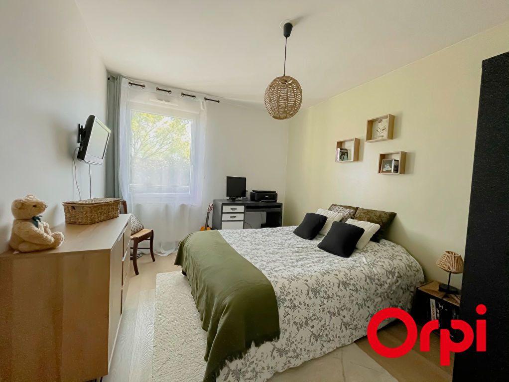 Appartement à vendre 3 76.46m2 à Rillieux-la-Pape vignette-4