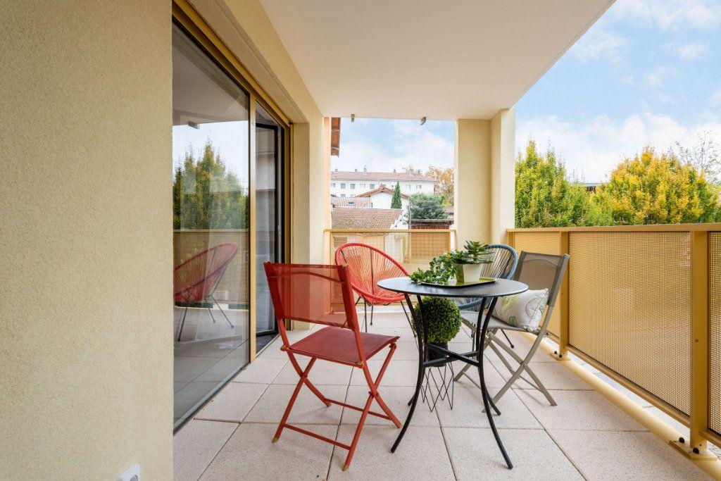 Appartement à vendre 4 93m2 à Rillieux-la-Pape vignette-1