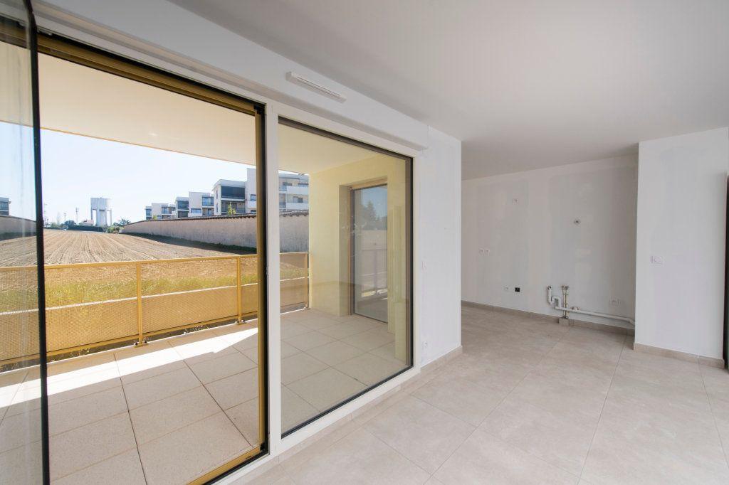 Appartement à vendre 4 94m2 à Rillieux-la-Pape vignette-2
