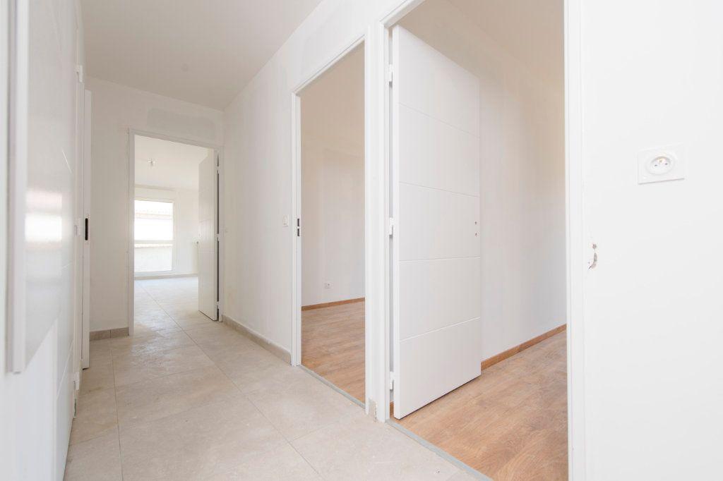 Appartement à vendre 4 94m2 à Rillieux-la-Pape vignette-3