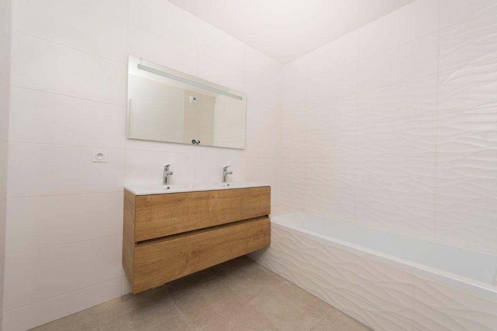 Appartement à vendre 4 94m2 à Rillieux-la-Pape vignette-4