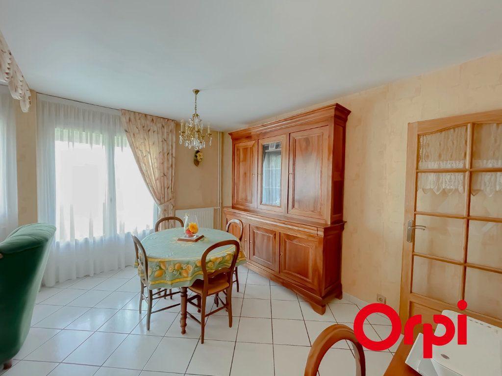 Appartement à vendre 4 68.7m2 à Rillieux-la-Pape vignette-3