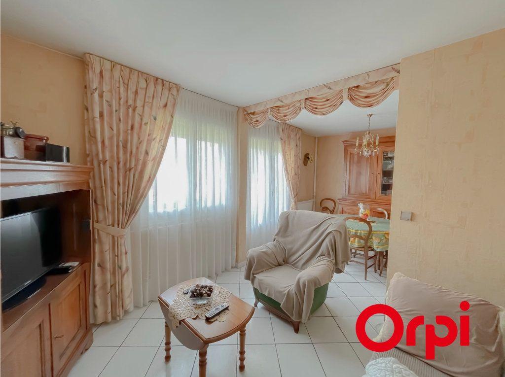 Appartement à vendre 4 68.7m2 à Rillieux-la-Pape vignette-4