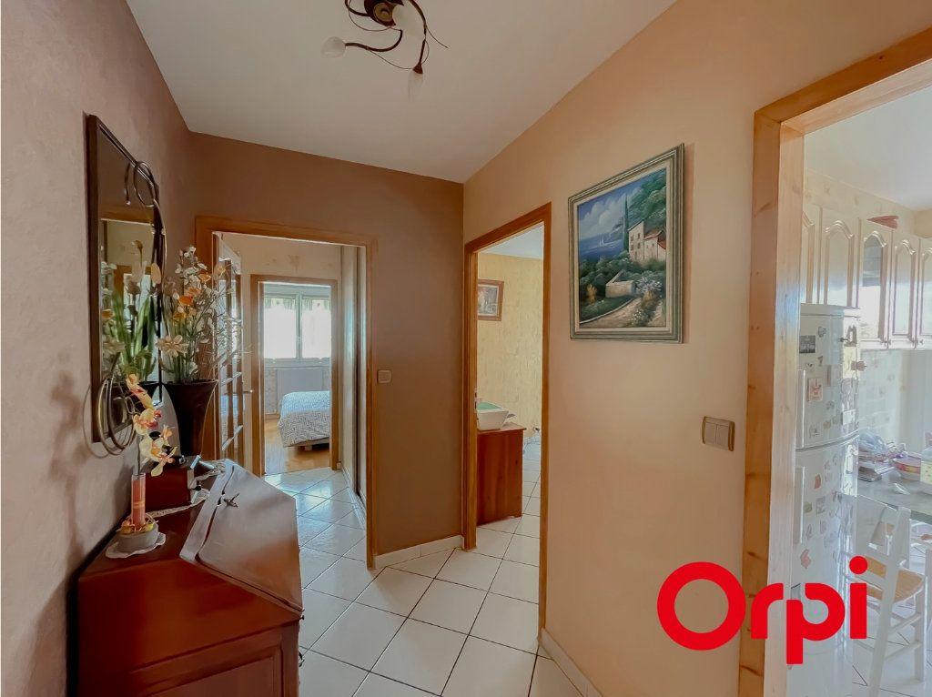 Appartement à vendre 4 68.7m2 à Rillieux-la-Pape vignette-5