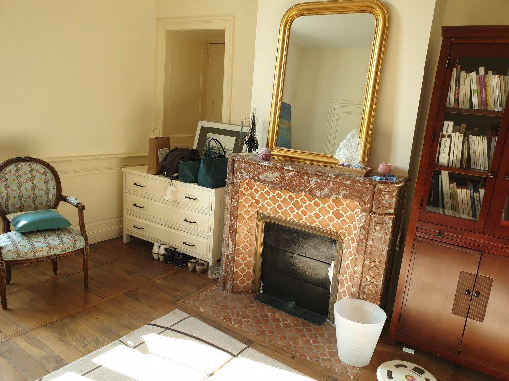Maison à vendre 12 380m2 à Blois vignette-6