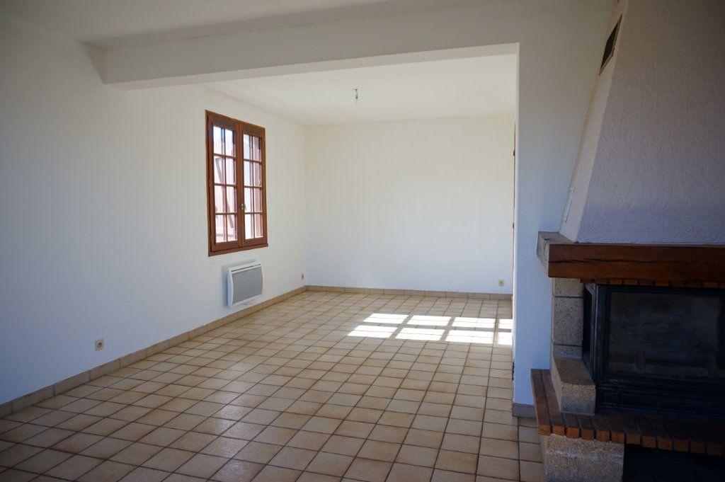 Maison à louer 6 120m2 à Lorris vignette-3
