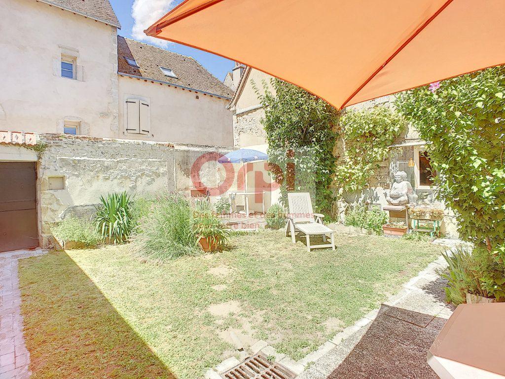 Maison à vendre 4 140m2 à Châtillon-Coligny vignette-1