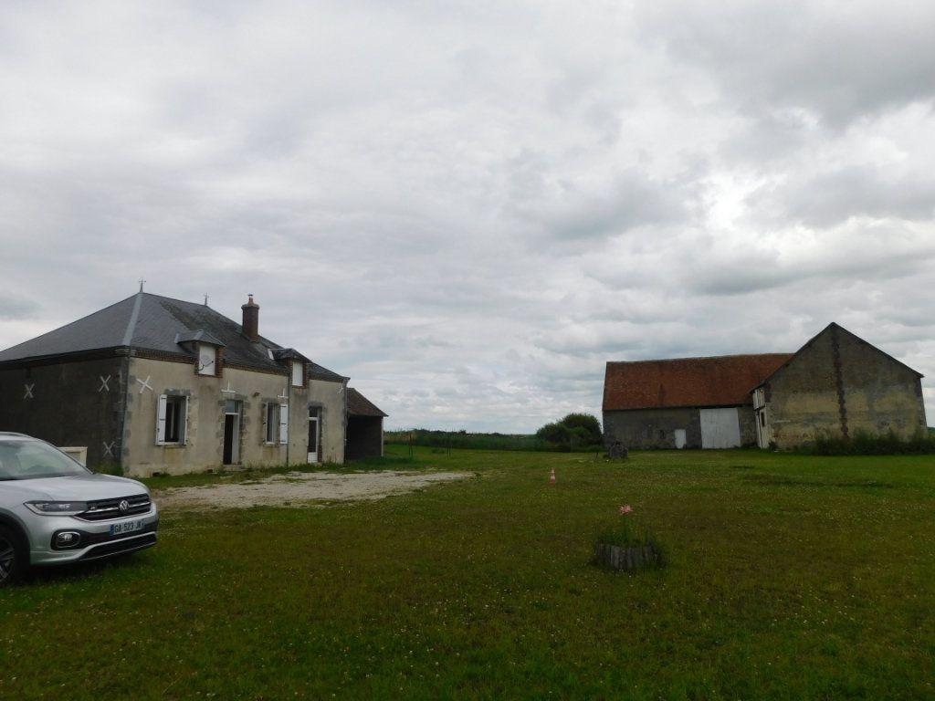 Maison à vendre 5 124m2 à Saint-Maurice-sur-Aveyron vignette-4