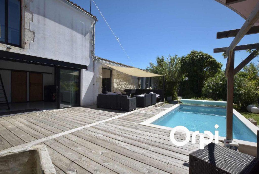 Maison à vendre 9 310m2 à L'Houmeau vignette-1