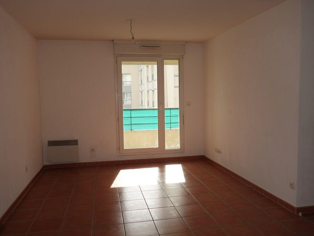 Appartement à louer 2 35m2 à Avignon vignette-3