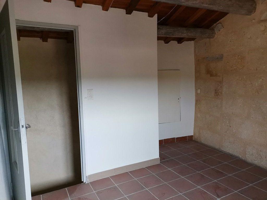 Appartement à louer 3 40m2 à Estézargues vignette-3