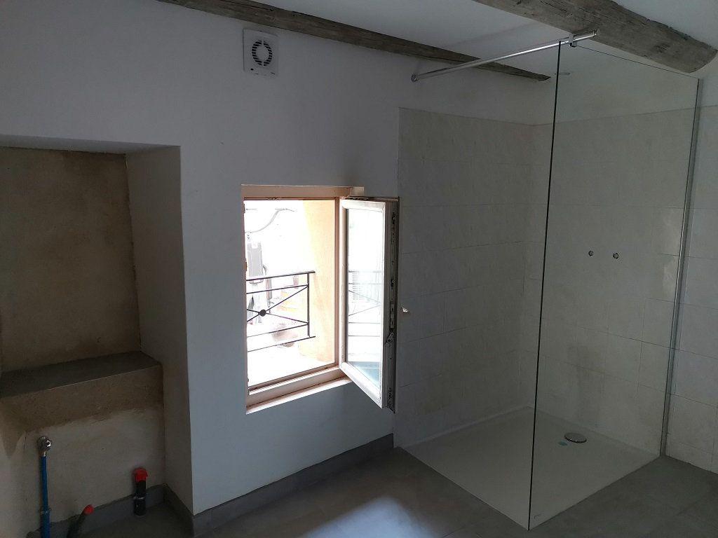 Appartement à louer 3 40m2 à Estézargues vignette-6