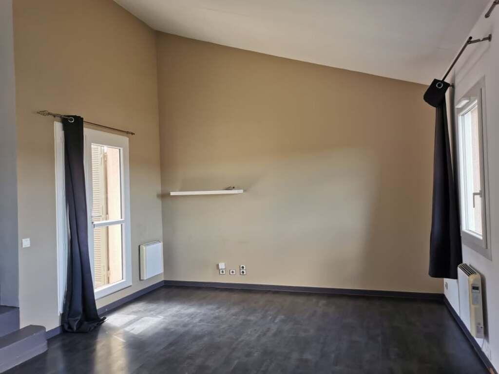 Appartement à louer 2 50m2 à Villeneuve-lès-Avignon vignette-4